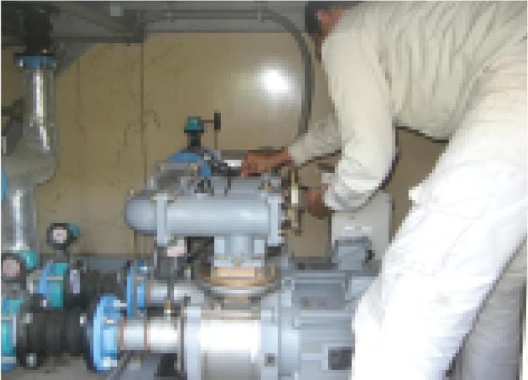 貯水槽修理